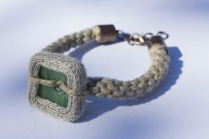 Bransoletka pleciona - ze szkła i lnu zielona