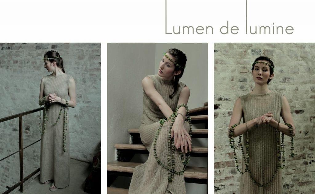 Kobieta w lnianej sukience z kolekcji Lumen de lumine