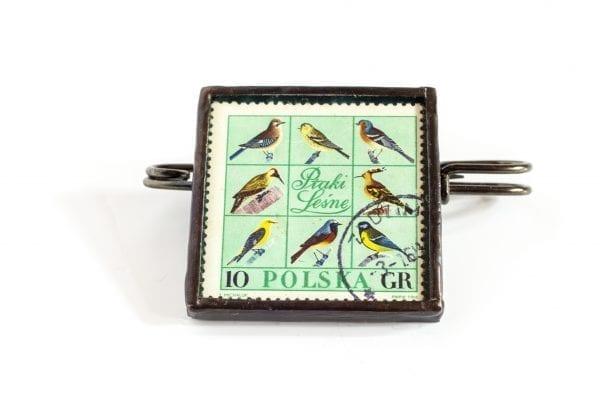 Dzikie Twory - broszka ze znaczkiem pocztowym ptaki leśne