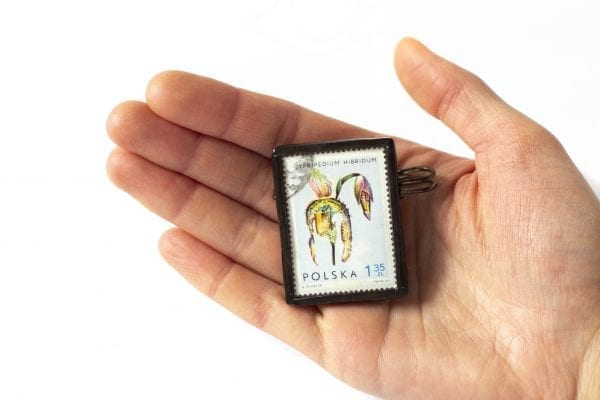 Dzikie Twory - wielkość broszki ze znaczkiem pocztowym cypripedium