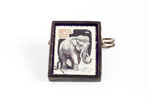 Dzikie Twory - broszka ze znaczkiem pocztowym słoń rosja